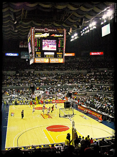 Ginebra vs. San Miguel - Game 1.