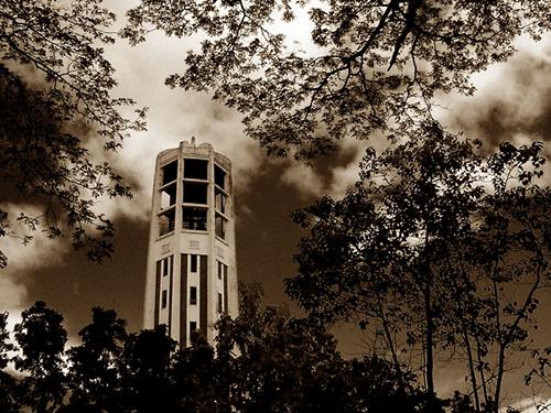 Carillon, 2001.