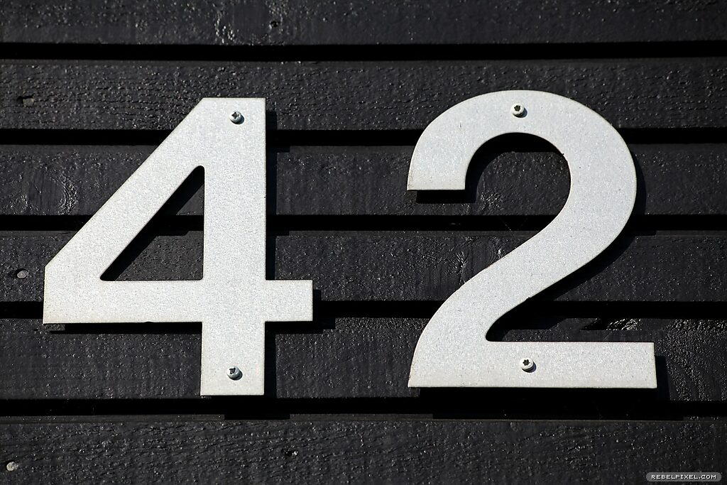 A photo showing the number 42.