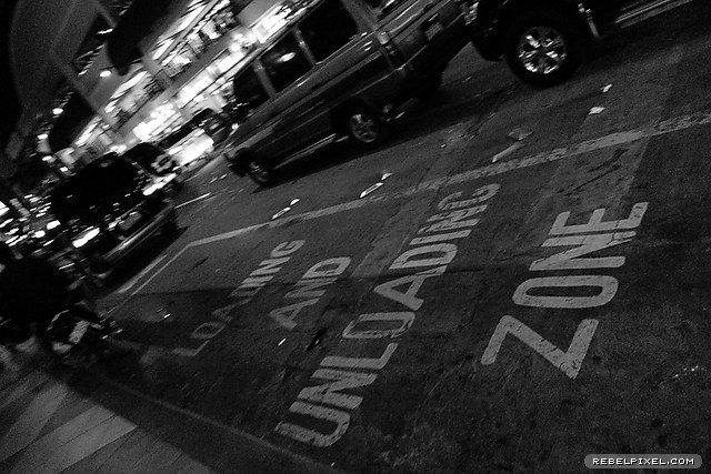 Loading and unloading zone, empty.